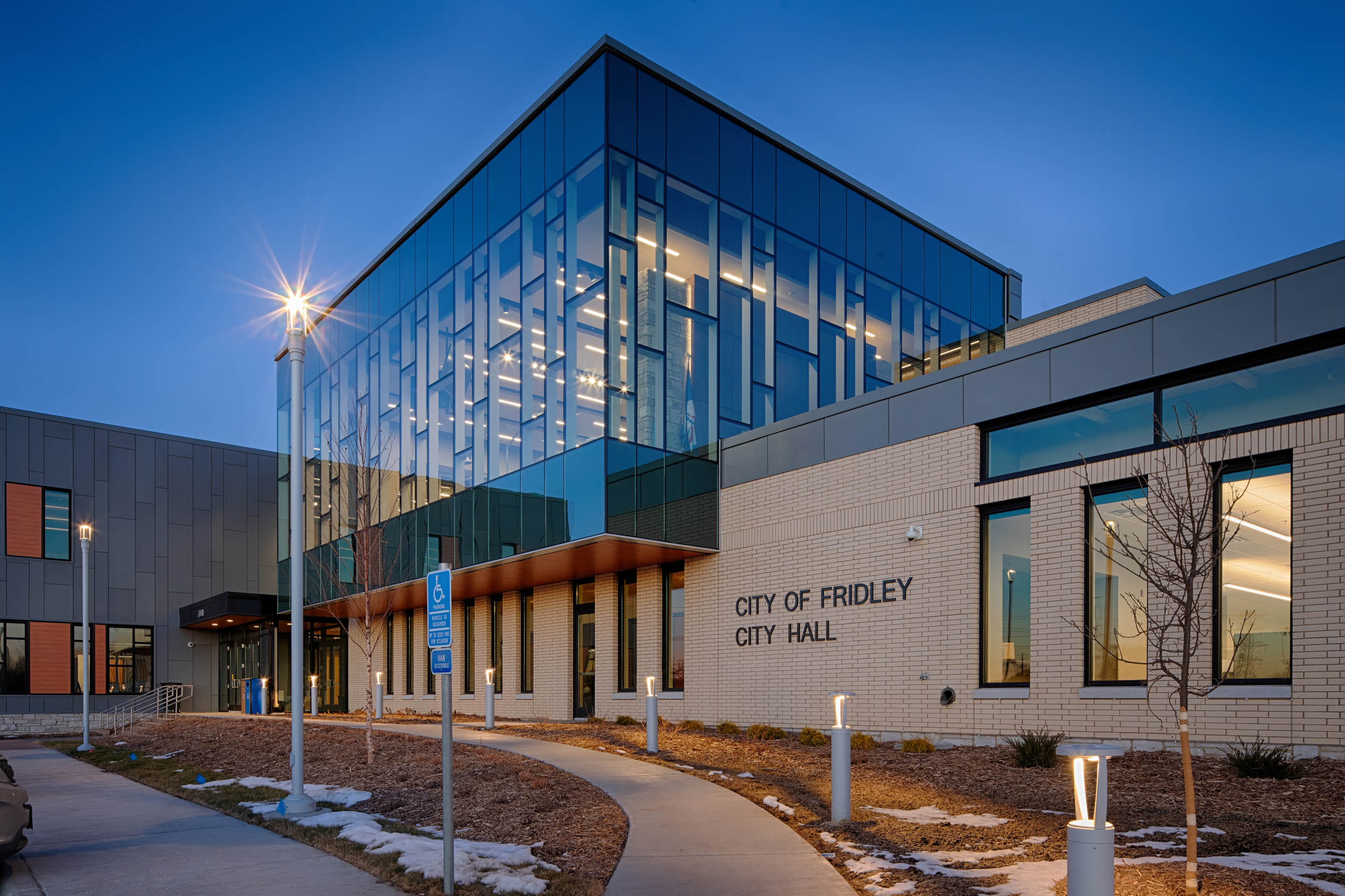 GOV_36_Fridley_Civic_Campus_0113